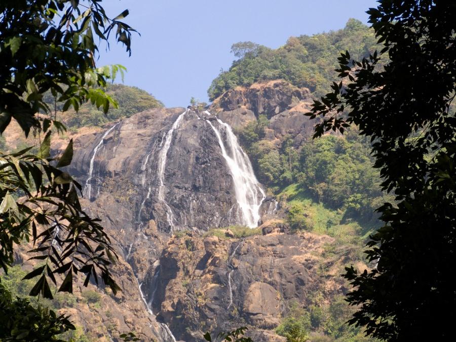 Дудхсагарский водопад (Гоа)
